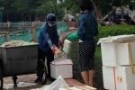 Hành động 'mờ ám' của đôi nam nữ đóng thùng cá chết ở Hồ Tây