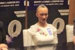 Video: Robot Sophia khẳng định không muốn đối đầu với con người