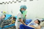 Cấp cứu 13 nữ công nhân Bình Dương bị ngộ độc khí