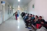Video: Hàng trăm bệnh nhân trải chiếu xếp hàng đến đêm đợi xạ trị ở Bệnh viện K