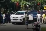 Cảnh sát nổ súng bắt hai nghi phạm buôn ma túy ở Nghệ An