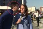 Clip: Bị CĐV quá khích cưỡng hôn, nữ phóng viên phản ứng cực nhanh