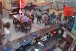 Clip: Tưởng thịt bò là thịt chó, thực khách kéo đến đập phá nhà hàng Trung Hoa