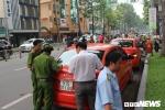 Xử phạt chủ xe xưng của Bộ Công an đậu trái phép trước cổng Bệnh viện Từ Dũ