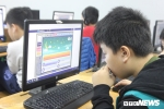 Ảnh: Hàng trăm học sinh hào hứng thi Olympic tiếng Anh trên Internet lớn nhất Việt Nam