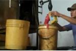 'Thâm cung bí sử' biến dầu thải thành dầu xịn