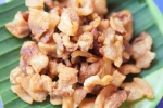 Dân sành Hà Nội tranh mua tóp mỡ ăn dè