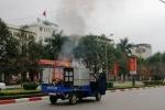 Chở nồi bánh chưng 'đang nấu', xe tải bốc cháy trên phố ở Thanh Hóa
