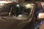 Truy tìm kẻ ném vỡ kính ô tô trên cao tốc Hà Nội - Hải Phòng