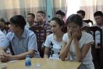 Video: Rơi nước mắt cảnh 2 bà mẹ bật khóc khi trao nhận con đẻ ở Ba Vì