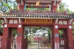 Trường THPT Quốc học Huế có 25 thủ khoa, á khoa