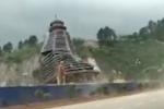 Gió thổi mạnh, cây không đổ nhưng sập tòa tháp 23 tầng ở Trung Quốc