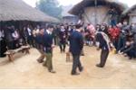 Video: Người dân tộc Dao nhảy bắt ba ba, múa kiếm cầu mưa thuận gió hòa trong lễ Tết nhảy truyền thống