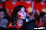 Bien nguoi xuong pho an mung tuyen Viet Nam ha Philippines, tien gan chung ket AFF Cup sau 10 nam hinh anh 6