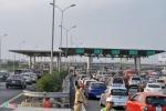 Tháo dỡ trạm thu phí gây ùn tắc trên cao tốc Cầu Giẽ