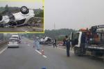 Xe Fortuner chở 6 người lật trên cao tốc Nội Bài - Lào Cai