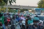TP.HCM căng mình phục vụ hành khách trong ngày đầu nghỉ lễ