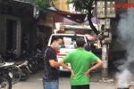 Video: Hiện trường phát hiện thi thể người đàn ông bốc mùi trong căn nhà khóa trái