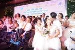 Xúc động khoảnh khắc 41 cặp đôi khuyết tật trao nụ hôn hạnh phúc trong đám cưới tập thể