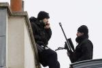 Cảnh sát Pháp truy đuổi 4 người vũ trang hạng nặng