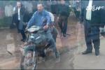 Không đội mũ bảo hiểm, Thủ tướng Campuchia bị CSGT phạt 80.000 đồng