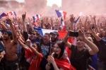 Pháp vô địch World Cup: CĐV phủ kín Đại lộ Champs-Élysées, khói mù mịt khắp Paris