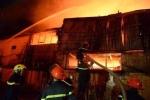 Cháy lớn thiêu rụi hơn 1.000m2 nhà xưởng khu công nghiệp ở Hà Nội
