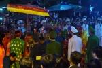Video: Ngộp thở xem lễ khai ấn đền Trần vào giữa đêm