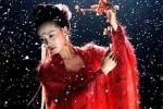 Tran Kieu An, Dich Le Nhiet Ba va dan my nhan Hoa ngu do sac khi dien ao do trong phim co trang hinh anh 8