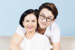 Mẹ Quang Bảo trẻ trung tham gia dự án riêng của con trai