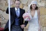 Messi khoe bạn gái mang bầu trong đám cưới Iniesta