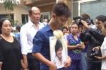 Clip: Nghẹn lòng tang lễ nghìn người tiễn đưa Wanbi