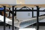 Thèm ngủ, sinh viên phát minh giường ngủ kỳ dị
