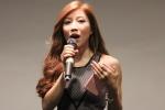 Ca sĩ Trang Pháp trổ tài nói 3 thứ tiếng tại lễ ra mắt sản phẩm giáo dục Expressa