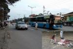 Sau tai nạn, tài xế giấu phương tiện va chạm vào gầm, bỏ mặc nạn nhân