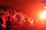 Clip: CĐV Hà Nội đốt pháo sáng, đội mưa quẩy tung sân Hàng Đẫy