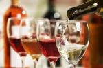 Uống một ly rượu mỗi ngày cũng khiến phụ nữ bị ung thư vú