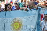 Lionel Messi, hãy đứng dậy và chiến đấu vì Argentina