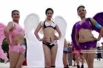 500 quý bà Trung Quốc trình diễn bikini khoe đường cong cơ thể