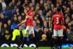 MU 24/7: Rooney 'thương' Torres, Carrick đi dọn rác