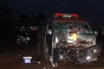 Xe cứu thương đâm xe máy, 2 người thương vong trong đêm