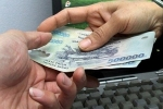 Nhận tiền của doanh nghiệp, một phóng viên bị tạm giữ