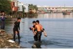 Rủ nhau tắm biển, 2 học sinh chết đuối và mất tích