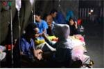 Ảnh: Đêm trong viện dã chiến ở tâm thảm họa động đất, sóng thần Indonesia