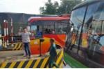 Ngày thứ 3 liên tiếp tài xế dùng tiền lẻ phản đối trạm BOT Biên Hòa