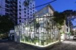 Ngôi nhà cũ kỹ 'lột xác' ấn tượng thành nhà hàng sang trọng giữa Sài Gòn