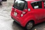 Tài xế taxi bị tố 'chặt chém', nhốt khách trong xe để đòi tiền