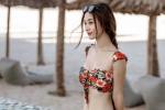 My nhan Viet dien bikini khoe duong cong 'dot chay' mua he hinh anh 3