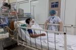 Thêm nạn nhân nguy kịch vì ngộ độc rượu methanol ở Hà Nội