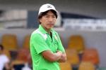 HLV Miura thất thần trên sân tập sau tin Công Vinh bỏ đội